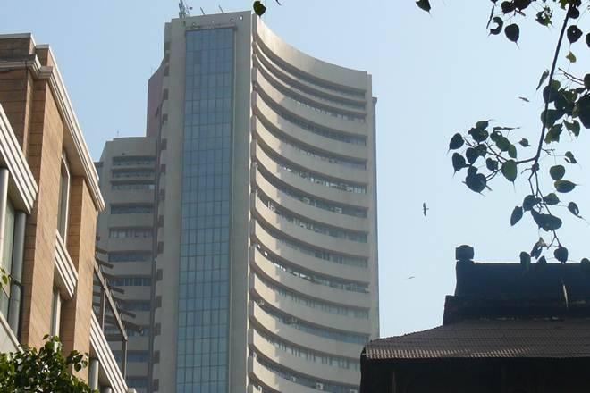 达拉尔街庆祝圣诞节:Sensex有史以来第一次过了34,000,漂亮的全力以赴