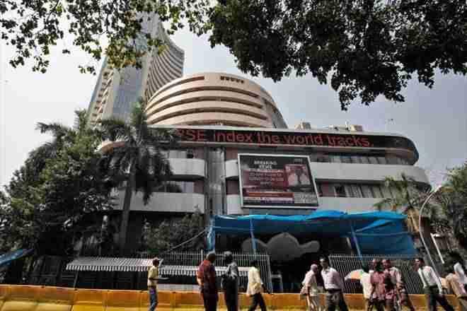 在开业贸易上涨119分后,Sensex保持在33,900以下,RCOM股价下跌超过4%