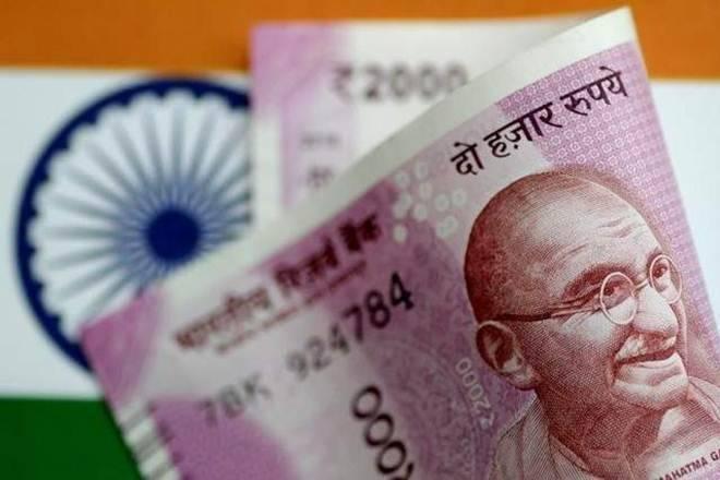 """""""卢比在古吉拉特州的Modi的正标志中获得23美元的美元p"""