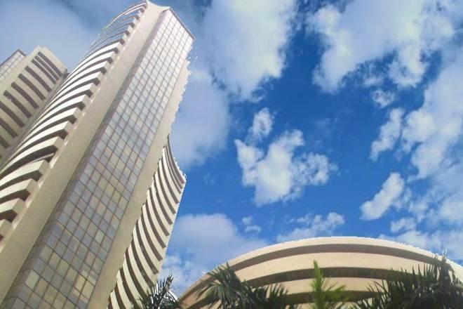Sensex,漂亮的贸易平面前方的Karnataka选举2018年结果; Reliance Naval Drops12%