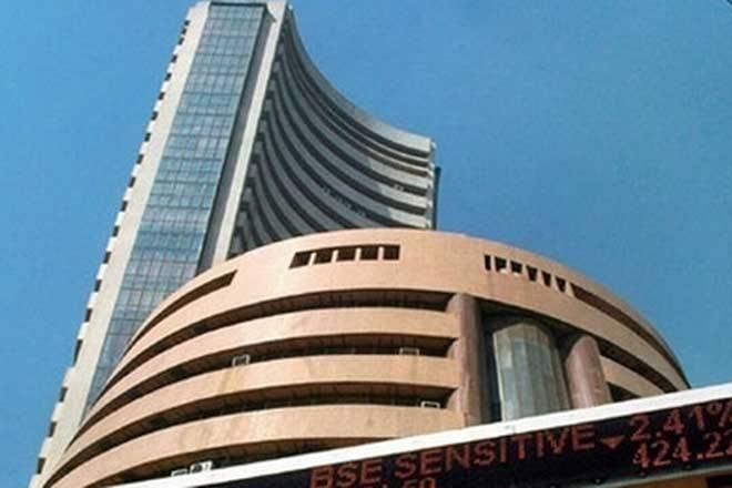 亚洲股票在升级贸易战争围系上滑动超过30分的Sensex
