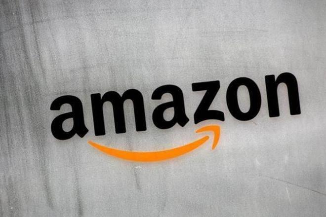 卷耍小孩:亚马逊以1万亿美元的MCAP RACE在苹果上关闭,只需6个月就加入了Walmart的相当
