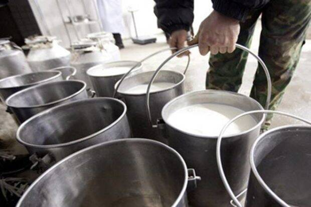 牛奶供应扰乱了第2天Inmaharashtra