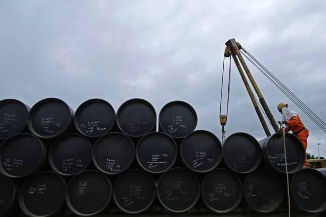 原油停止在储存乐观和股票交易的桶中达到51美元