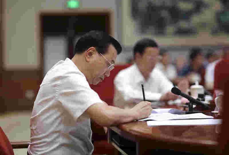 总理召开经济形势座谈会,哪些人受邀,说了什么?