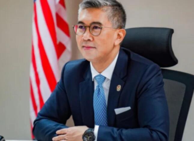 Tengku Zafrul表示马来西亚将在2021年底前全面重新开放